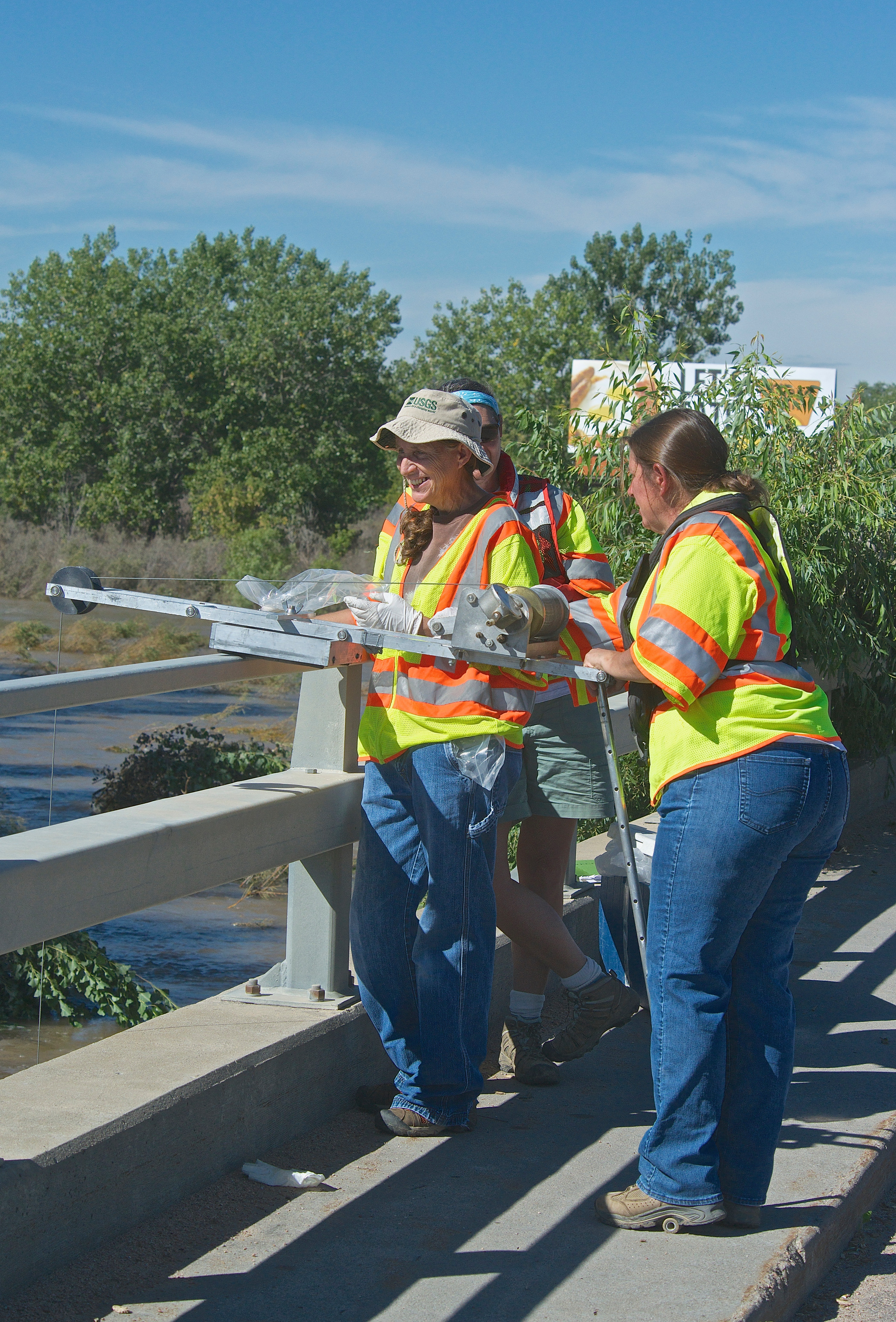 USGS Measuring S. Platte in Sterling (9-23-13)